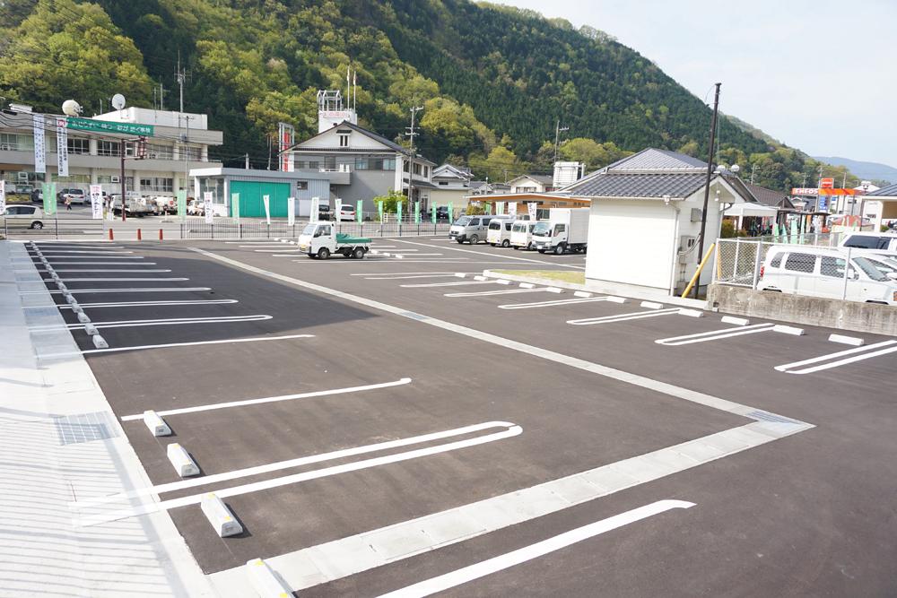 メイン駐車場が拡大されました